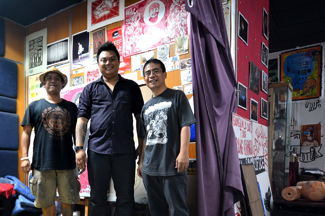 Cracko Art Gallery Sabah with Harold Reagan Eswar and Abe Garcia.